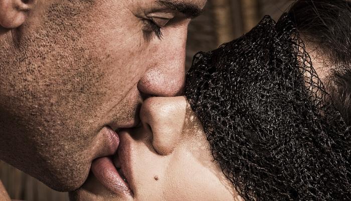 Жаркий поцелуй