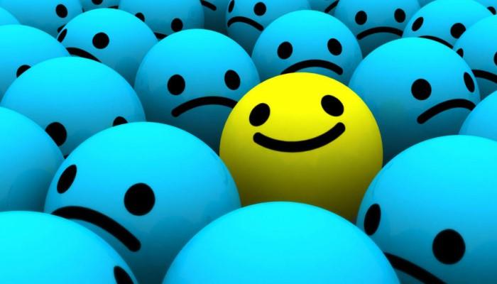 Один из всех улыбается